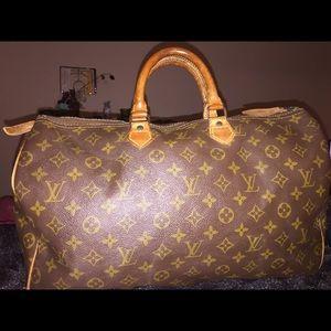 Louis Vuitton Speedy 40 Authentic
